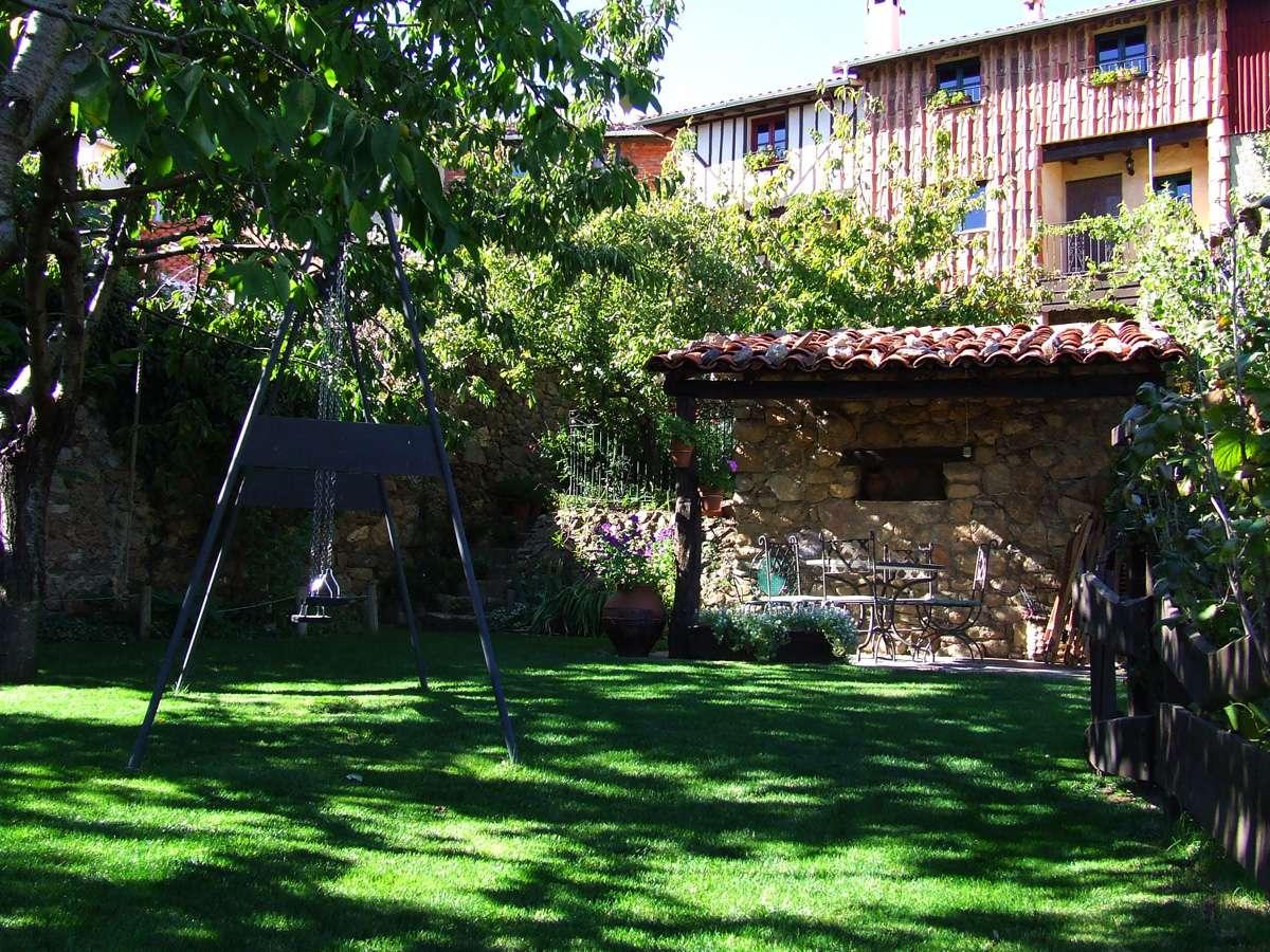 Las casas desde el jardín
