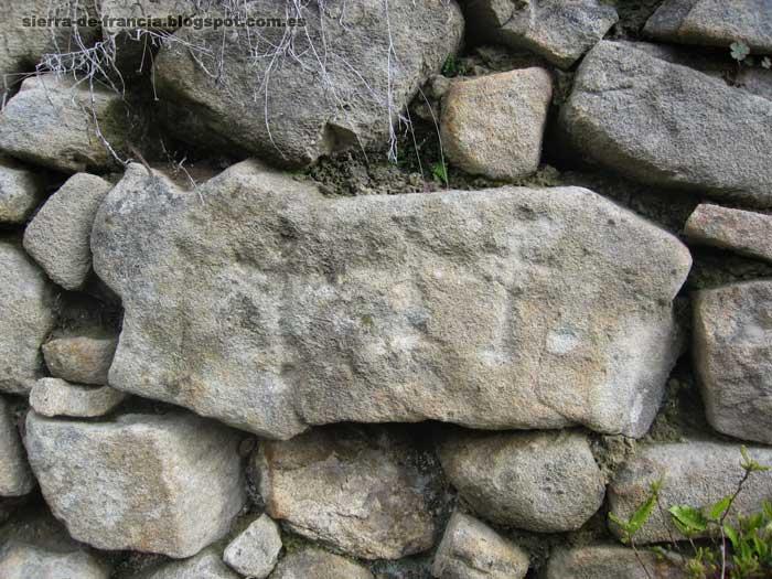 piedras grabadas en Mogarraz