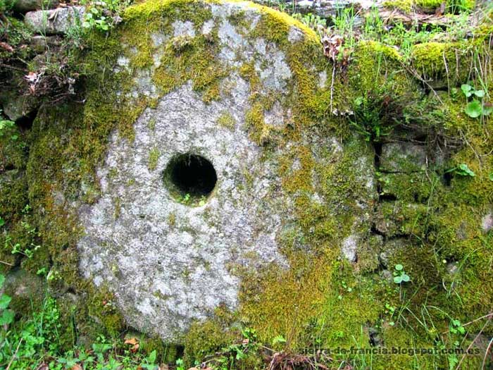 El camino del agua - piedra de molino