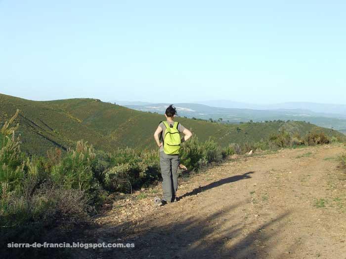 vista sobre el valle de la palla en la sierra de las quilamas