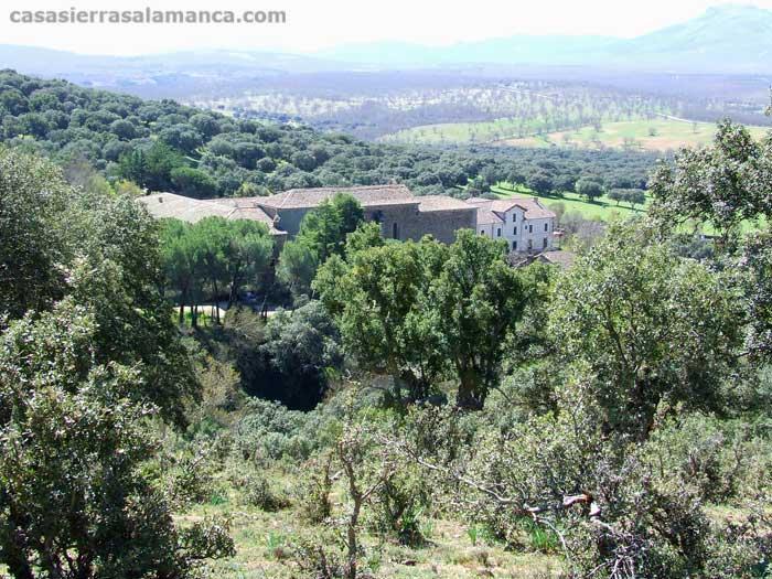Vista del convento de El Zarzoso, en la Sierra de Francia