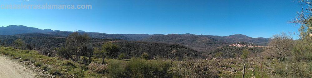 Panoramica de la sierra de francia con miranda del castañar y la peña de francia