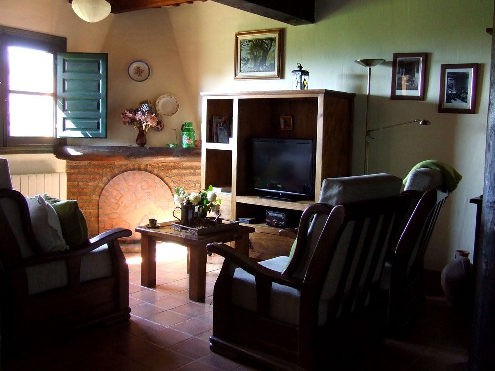 Sala de estar com TV, mini hifi-dvd e Wifi